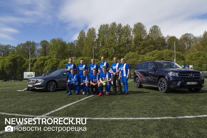 В Сестрорецке состоялся VI турнир по мини-футболу среди дипломатов и бизнесменов