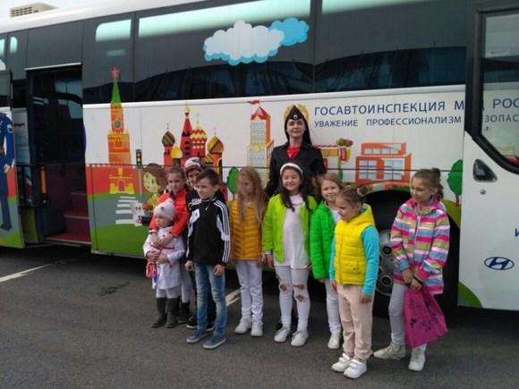 В Сестрорецке работал автобус-тренажер «Школа дорожной безопасности»