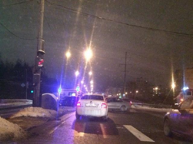 На выезде из Сестрорецка случилось сразу два ДТП