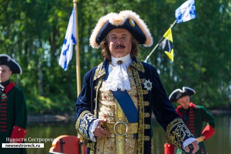 В парке «Дубки» появилась точная копия ботика Петра I «Святой Николай»