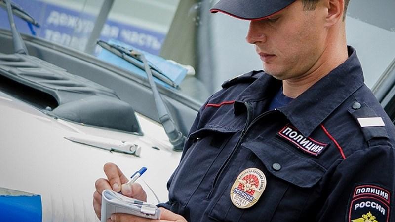 Житель Сестрорецка умер в машине в поселке Березовик