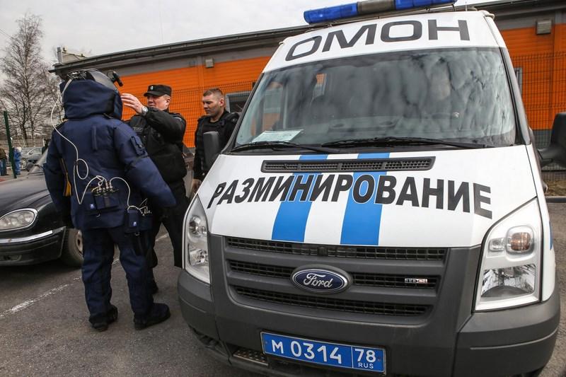 «Хороший рабочий день» начался в Петербурге с эвакуации судов